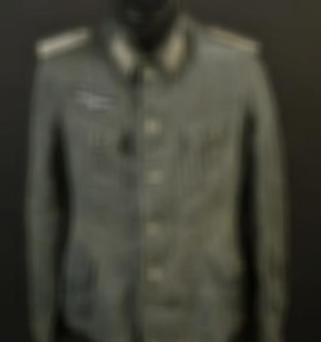 1219-___vente-dobjets-militaires-et-de-souvenirs-historiques-du-xxeme-siecle - Lot 384