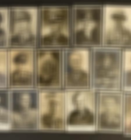 1219-___vente-dobjets-militaires-et-de-souvenirs-historiques-du-xxeme-siecle - Lot 390