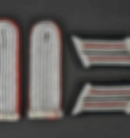 1219-___vente-dobjets-militaires-et-de-souvenirs-historiques-du-xxeme-siecle - Lot 406