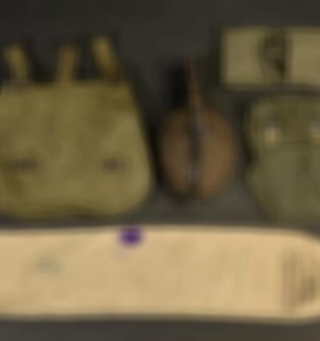 1219-___vente-dobjets-militaires-et-de-souvenirs-historiques-du-xxeme-siecle - Lot 419