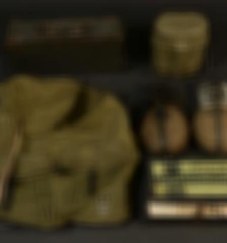 1219-___vente-dobjets-militaires-et-de-souvenirs-historiques-du-xxeme-siecle - Lot 461