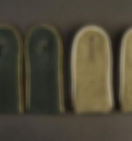 1219-___vente-dobjets-militaires-et-de-souvenirs-historiques-du-xxeme-siecle - Lot 477