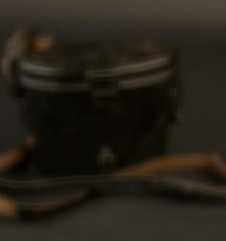 1219-___vente-dobjets-militaires-et-de-souvenirs-historiques-du-xxeme-siecle - Lot 485