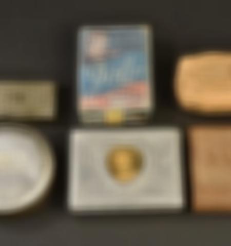1219-___vente-dobjets-militaires-et-de-souvenirs-historiques-du-xxeme-siecle - Lot 528