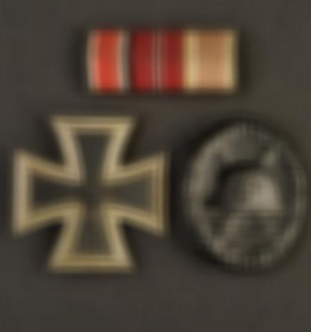 1219-___vente-dobjets-militaires-et-de-souvenirs-historiques-du-xxeme-siecle - Lot 557
