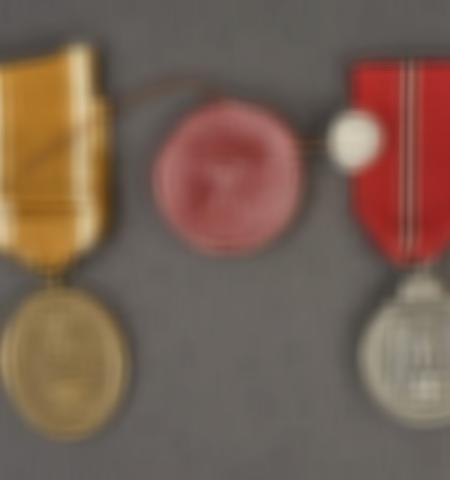 1219-___vente-dobjets-militaires-et-de-souvenirs-historiques-du-xxeme-siecle - Lot 578
