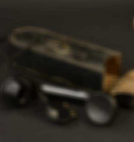 1219-___vente-dobjets-militaires-et-de-souvenirs-historiques-du-xxeme-siecle - Lot 584