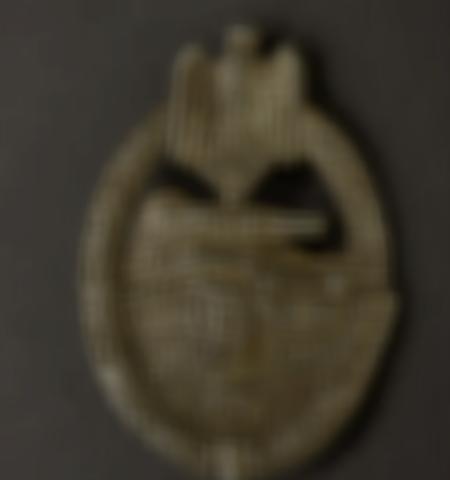 1219-___vente-dobjets-militaires-et-de-souvenirs-historiques-du-xxeme-siecle - Lot 588