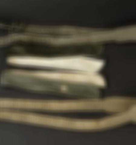 1219-___vente-dobjets-militaires-et-de-souvenirs-historiques-du-xxeme-siecle - Lot 611