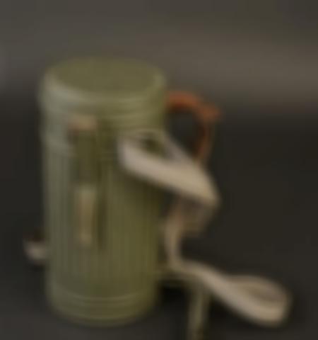 1219-___vente-dobjets-militaires-et-de-souvenirs-historiques-du-xxeme-siecle - Lot 658