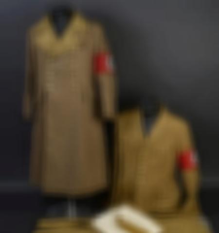 1219-___vente-dobjets-militaires-et-de-souvenirs-historiques-du-xxeme-siecle - Lot 829